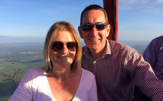 Champagne Hot Air Balloon Ride for Two over Biggleswade